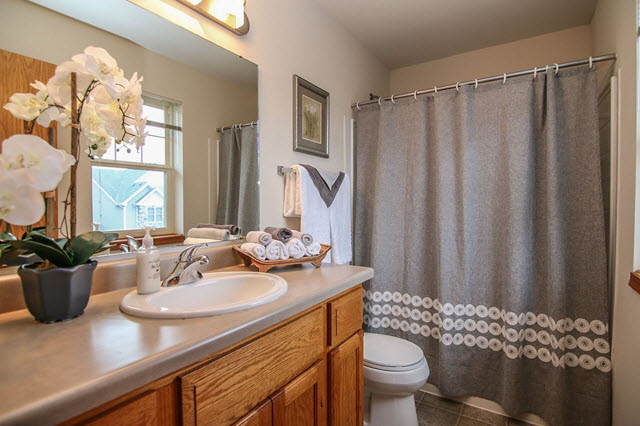 Bathroom with Professional Home Staging